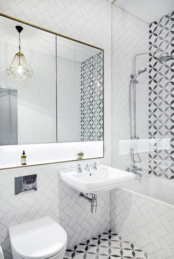 House of Sylphina interior design, Dalston. Monochrome bathroom with gold detailing